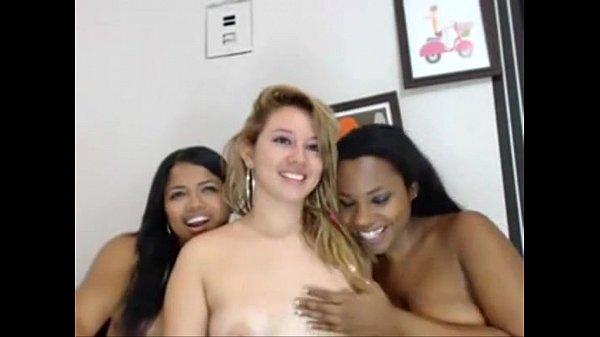Mulheres peladas caiu na net mostrando bucetas