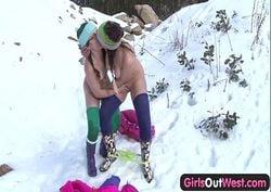 novinhas lésbicas safadas transando na neve