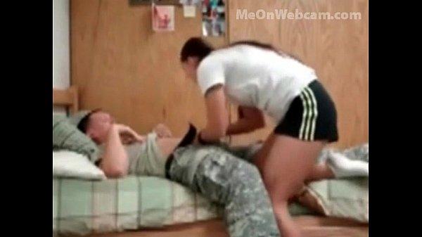 Safadinha transando com namorado no dia de folga dele