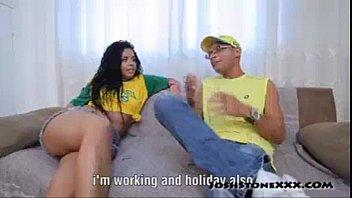 Monique Carvalho sentando gostoso na rola