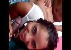 Morena brasileira fazendo suruba com marido e o melhor amigo dele