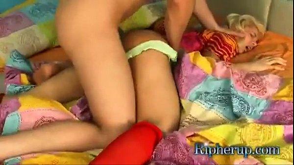 Novinha sendo estrupada por vizinho do papai