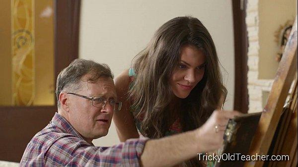 Filha acaba ficando pelada e transando com seu pai pintor