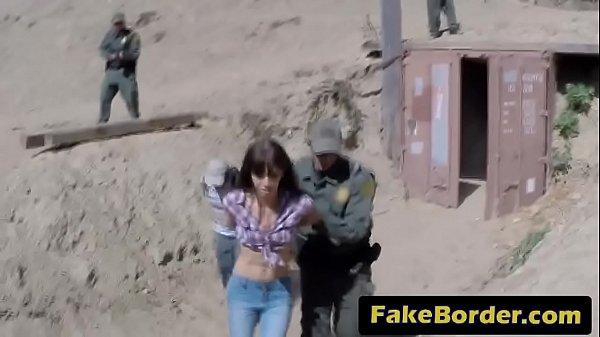 Mulher gostosa amarrada e estuprada pelo empregado do marido