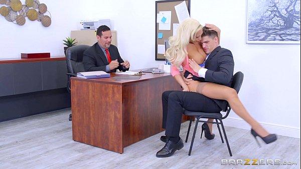 Baixar porno gratuitamente de loiras gostosas