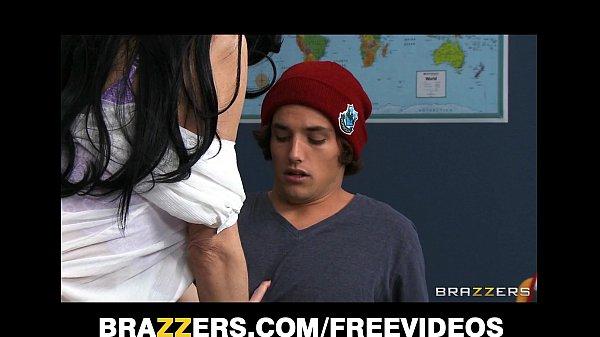 Sexo escondido na escola