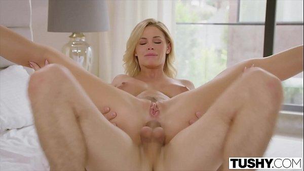Sexo anal com loirinha gostosinha safada gritando de dor