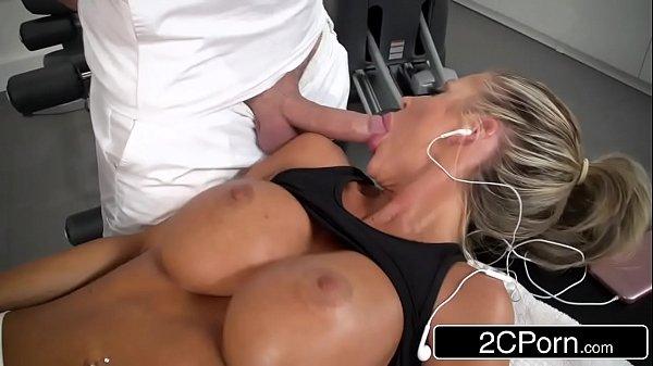 Amadoras tube loira da academia mamando gostoso