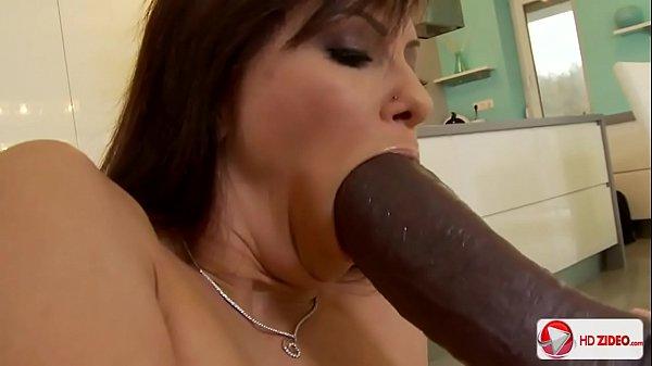 Morena gostosa levando rola no seu cuzinho apertadinho