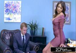 Sexo quente tv fodendo a gostosa em seu escritório