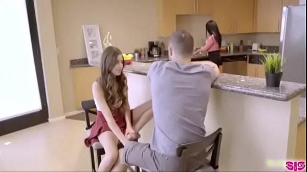 tio fazendo uma siririca para sua sobrinha gostosa