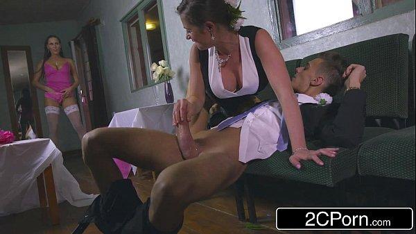 X video porno pegou o namorado sendo chupado por a prima