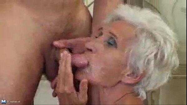 Neto fodendo sua vovô ex garota de programa de 80 anos