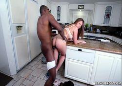 Sexso de quatro na cozinha