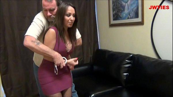 As Brasileirinhas Porno pegou a força a mulher de seu irmão