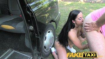 Baixar Filmes Porno dentro do carro ele meteu na morena