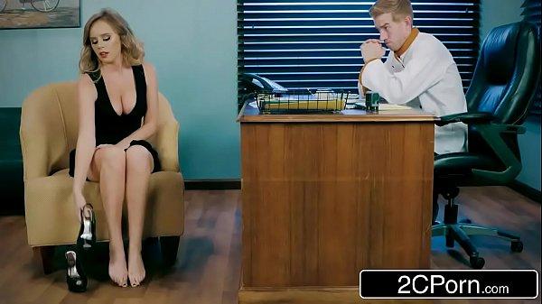 Dando no escritório pro marido safado que fode gostoso
