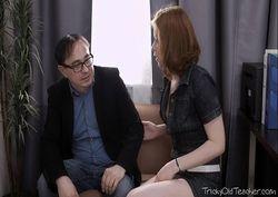 Ela deu pro marido gostoso na sala dele muito