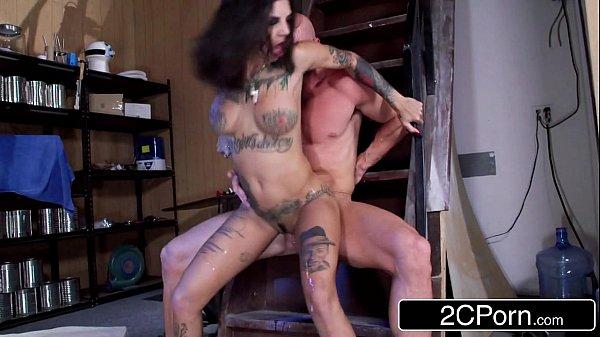 Exotic4k pegou sua morena tatuada e fez ela gemer na rola