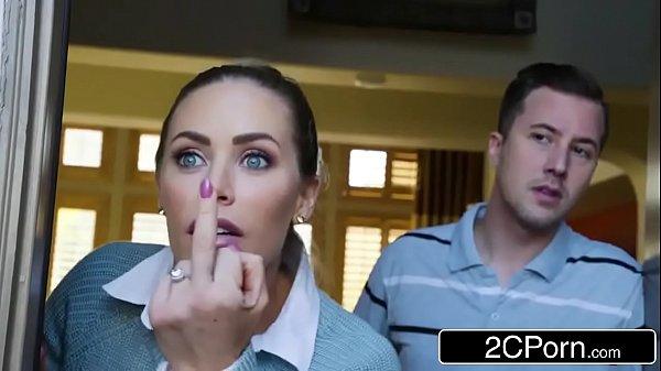 Morena com seu marido deu a buceta pra ele gostoso
