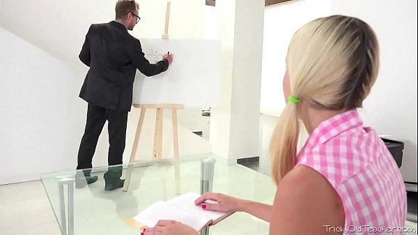 Novinha linda dando pro safado artista