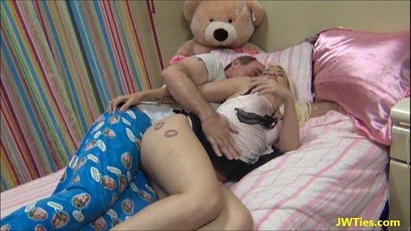 Pornotube pegou de ladinho ela adorou