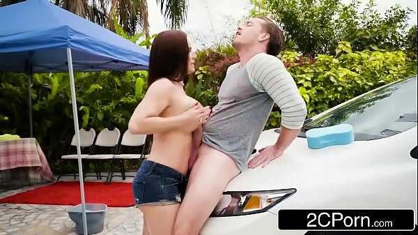 Ruiva pedindo rola grossa na xota de seu namorado gostoso