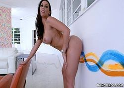 Tela Erotica mostrou a bunda e seu macho fodeu