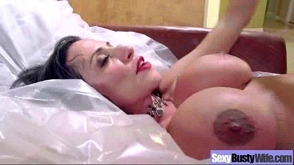 Videos Eróticos coroa peituda levando caralho na buceta peludinha