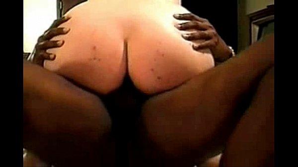 Sexo amador entre uma preto dotado e uma gordinha casada