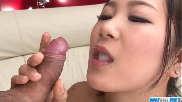 Ejaculação feminina com gostosa pagando boquete