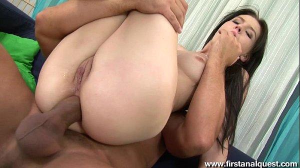Magrinha gostosa dando a bunda no porno grátis