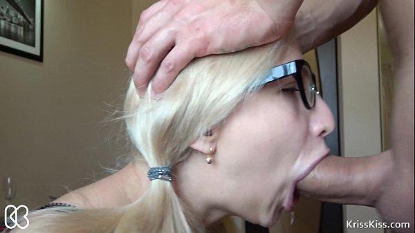 Mulheres fazendo sexo loira fazendo sexo oral gostoso