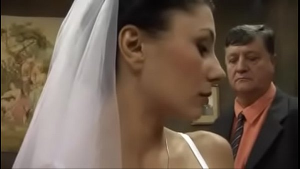 Sexo 3G pai fodendo com filha minutos antes do casamento