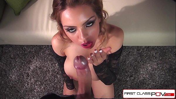 Vidios de sexo oral com gata do corpo escultural mamando