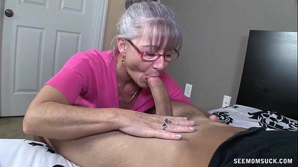 Sanba porno coroa experiente sexo oral perfeito
