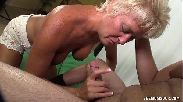 X vídeo de sexo oral coroa pagando boquete gostoso