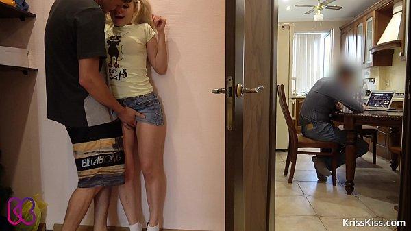 Xxvideo porno comendo a prima novinha escondido