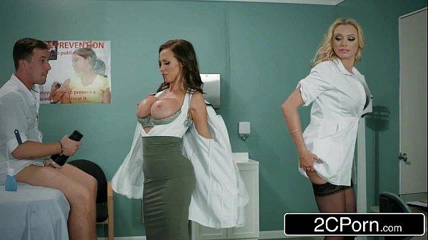 Fodendo as enfermeiras gostosas no red tude