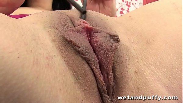 Gpking boceta carnuda e gostosinha no porno