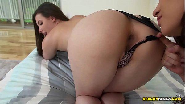 Pornolandia lésbica bunduda gozando com língua no cuzinho