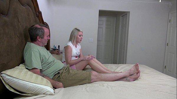 Sex hot sobrinha trepando com titio do dinheiro