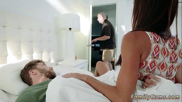 Sexo grates safado metendo com sua enteada gostosinha