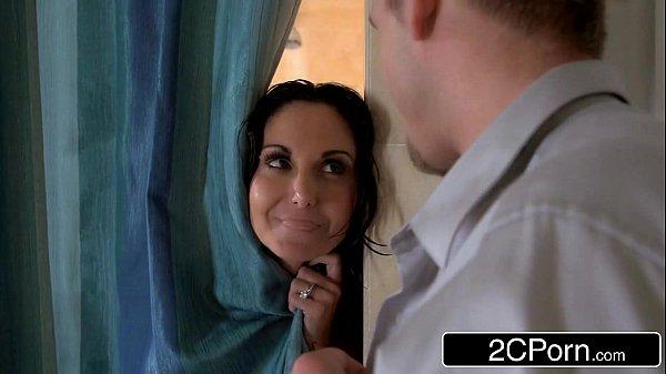 Sexo xxx com vizinho no banheiro
