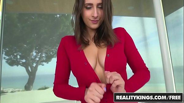 Video pornor chupando e metendo rola grossa na safada