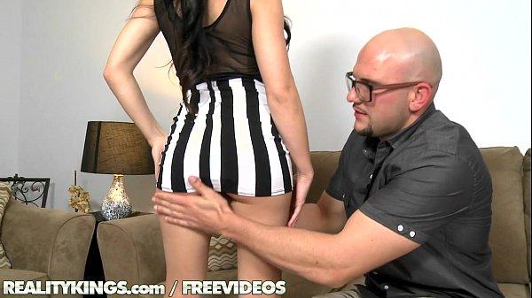 Videos pornozinhos morena arreda calcinha e leva pica grossa