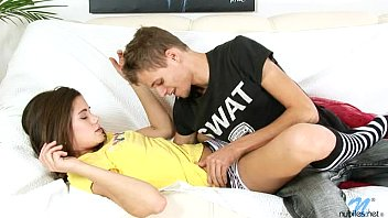 Parsexual comendo ninfeta cheia de tesão