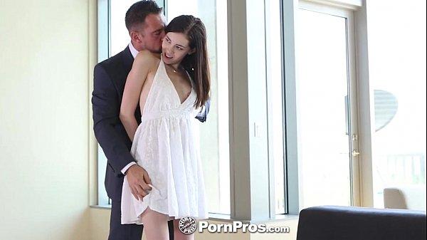 Xlxx porno fodendo com secretária