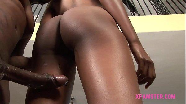 Negros bem sacanas fodendo forte e gravando a foda
