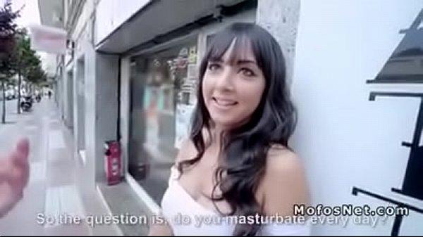 Samba pornô ofereceu dinheiro e comeu morena tarada por rola